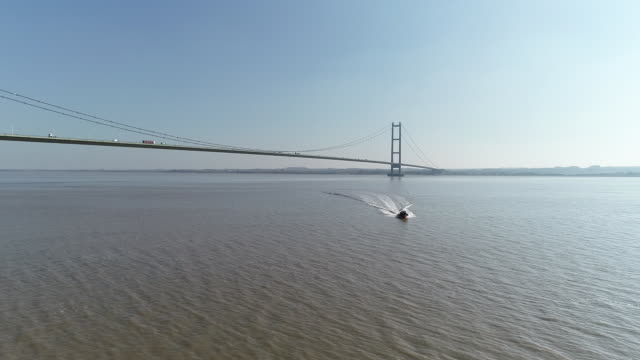 a lifeboat on the humber speeding past - hull stock videos & royalty-free footage