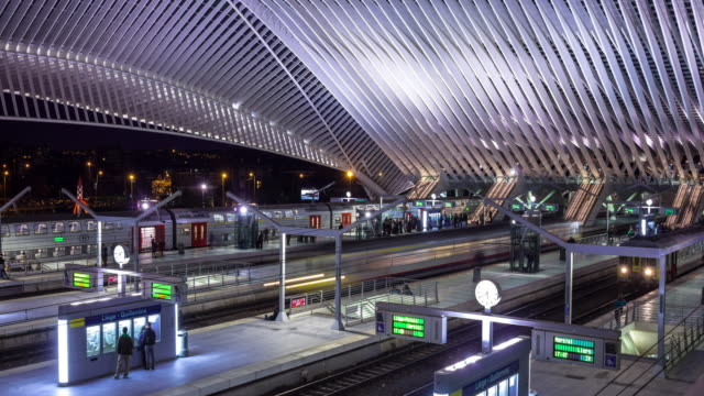 stockvideo's en b-roll-footage met liège-guillemins train station, belgium - time lapse - station