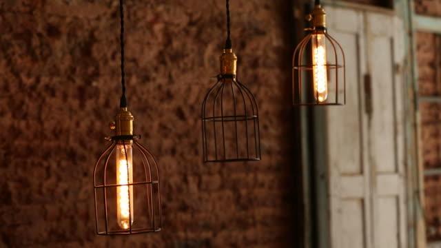 vidéos et rushes de light bulb - lampe électrique