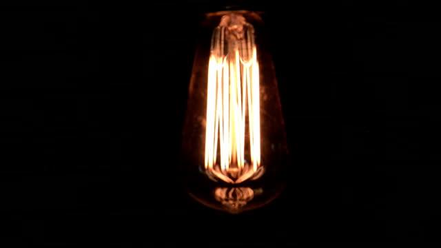 vidéos et rushes de ampoules montage - ampoule électrique