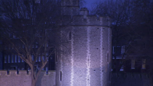 light illuminates a turret on the tower of london. - tower of london stock videos & royalty-free footage
