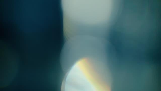 vídeos de stock e filmes b-roll de light leaks overlay on black background - fuga de luz