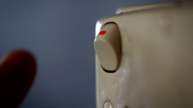 stockvideo's en b-roll-footage met light switches - turning off (multi-shots with high quality audio) - turning on or off