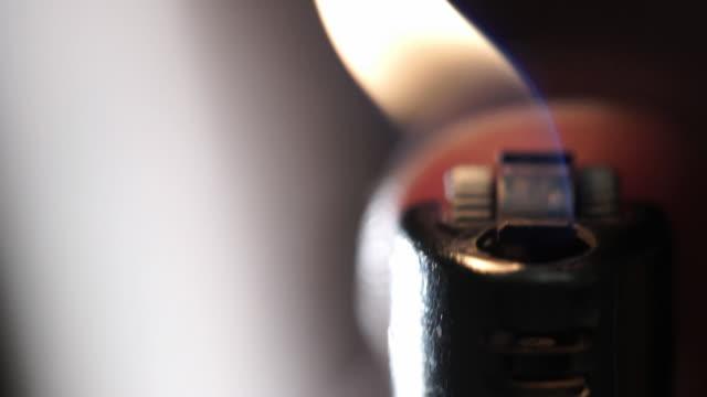 lighter - feuerzeug stock-videos und b-roll-filmmaterial