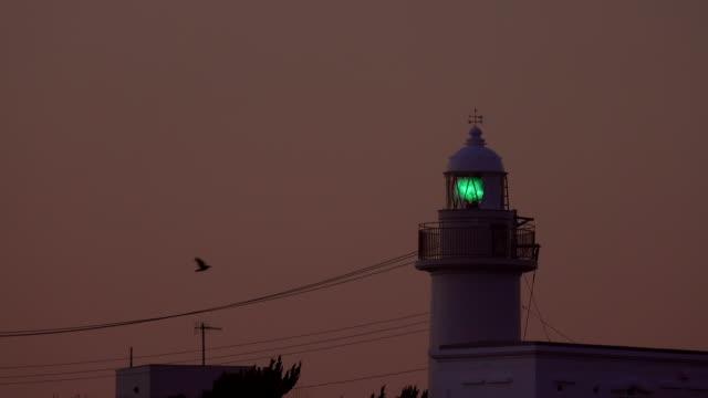 vídeos y material grabado en eventos de stock de faro de noche - faro luz de vehículo