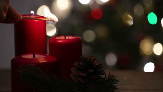 beleuchtung für weihnachten - kerze stock-videos und b-roll-filmmaterial