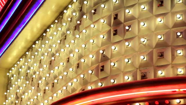 vídeos y material grabado en eventos de stock de luces de las vegas casino en alta definición - cartel de teatro