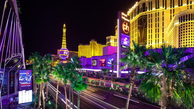 lights on the strip, las vegas - timelapse - replica eiffel tower stock videos & royalty-free footage