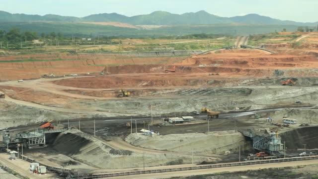 リグナイトオープンピットます。 - 炭鉱点の映像素材/bロール