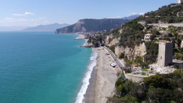 finale ligure in ligurien - italien - mittelmeer stock-videos und b-roll-filmmaterial