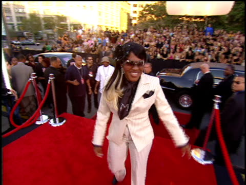 lil' mo arriving to the 2001 mtv video music awards red carpet - mtv video music awards stock videos and b-roll footage