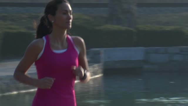 Liliana's Run Left to Right - CU Panning
