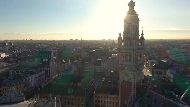lille, général de gaulle grand-place drone aerial view - klocktorn bildbanksvideor och videomaterial från bakom kulisserna