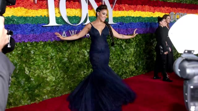 stockvideo's en b-roll-footage met lilli cooper attends the 73rd annual tony awards at radio city music hall on june 09 2019 in new york city - radio city music hall