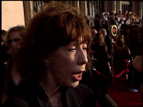 stockvideo's en b-roll-footage met lilly tomlin at the 2003 screen actors guild sag awards at the shrine auditorium in los angeles california on march 9 2003 - screen actors guild awards