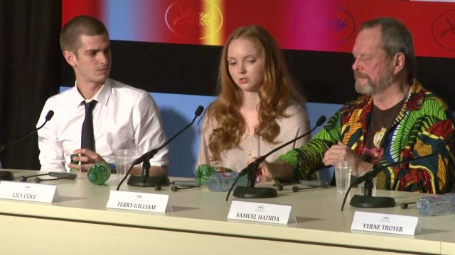 stockvideo's en b-roll-footage met lily cole on working with visual effects and terry gilliam at the cannes film festival 2009 the imaginarium of dr parnassus press conference at cannes - terry gilliam