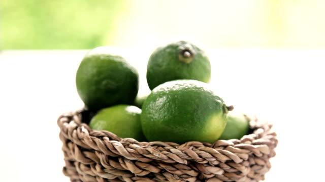 vidéos et rushes de citron vert - groupe moyen d'objets