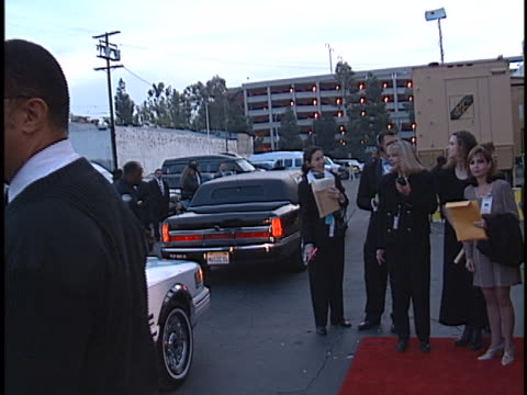 vídeos y material grabado en eventos de stock de limos at the american music awards 1998 at shrine. - auditorio shrine