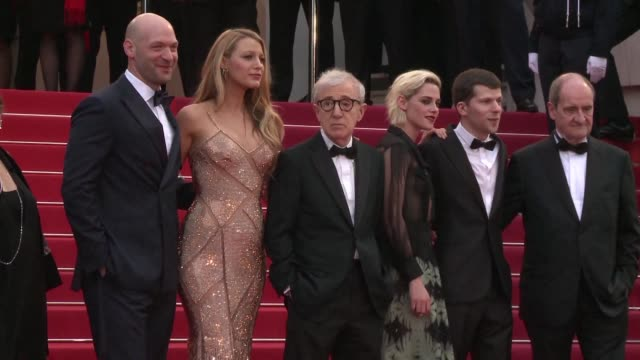 vídeos y material grabado en eventos de stock de limousines tuxes and gowns galore the 69th cannes film festival launched with the festival jury walking the red carpet along with woody allen and the... - woody allen