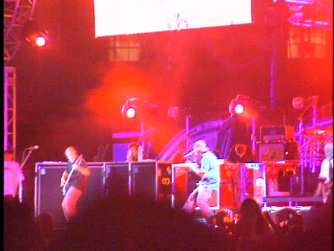 limp bizkit at the kroq weenie roast at edison field anaheim in anaheim ca - kroq weenie roast stock videos & royalty-free footage