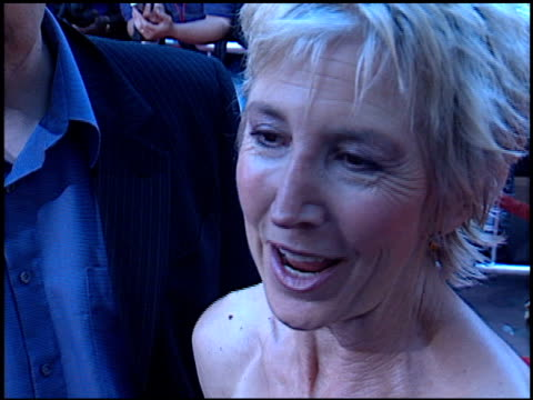 vidéos et rushes de lin shaye at the 'rush hour 2' premiere at grauman's chinese theatre in hollywood, california on july 26, 2001. - rush hour
