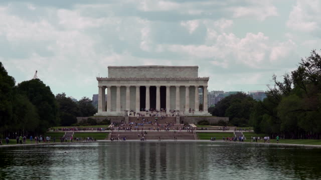 Lincoln Memorial and Reflecting Pool in Washington, DC