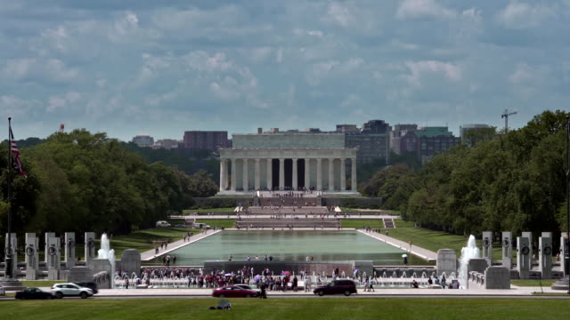 lincoln memorial and world war ii memorial in washington, dc - reflecting pool washington dc stock videos & royalty-free footage