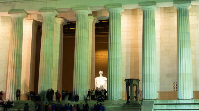 t/l cu lincoln memorial in washington dc at night - lincolndenkmal stock-videos und b-roll-filmmaterial