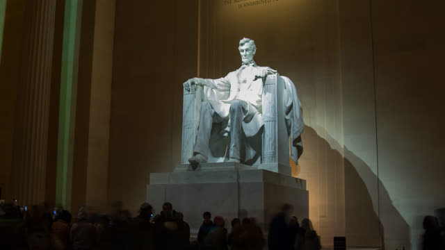 t/l zi ms lincoln memorial in washington dc at night - lincolndenkmal stock-videos und b-roll-filmmaterial
