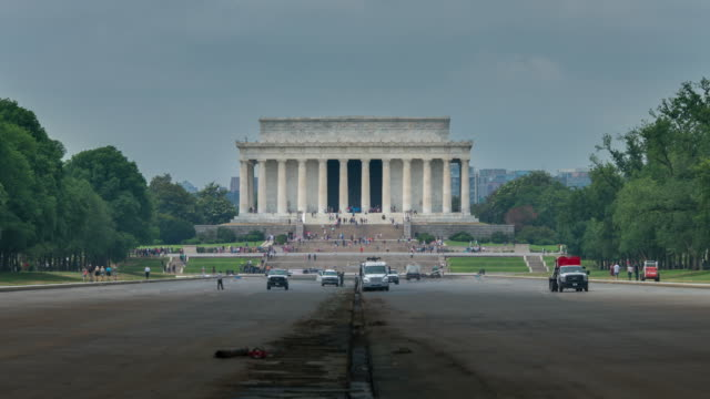 lincoln memorial widerspiegelnder teich in washington, dc - 4k/uhd entwässert - ethik und moral stock-videos und b-roll-filmmaterial