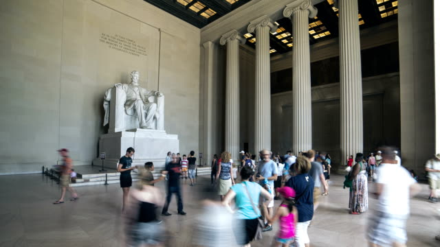 lincoln memorial, das washington, dc, entfernt. - lincolndenkmal stock-videos und b-roll-filmmaterial