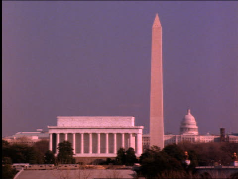 vídeos de stock, filmes e b-roll de lincoln memorial , washington monument, capitol building / washington dc - 2001