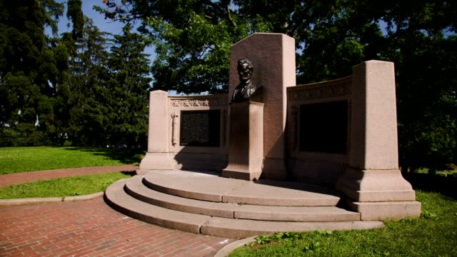 lincoln's gettysburg address memorial wide pan - gettysburg stock videos & royalty-free footage