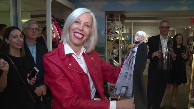 """linda fargo at katie holmes unveils fao schwarz holiday collection and the """"return to wonder"""" at bergdorf goodman at bergdorf goodman on october 24,... - bergdorf goodman stock videos & royalty-free footage"""