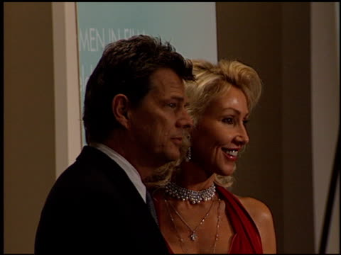 stockvideo's en b-roll-footage met linda thompson at the women in film awards at the century plaza hotel in century city, california on september 20, 2002. - century plaza