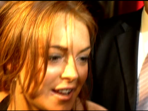 lindsay lohan on being late for dinner at the cartier and interview magazine celebration of love at the cartier mansion in new york new york on june... - 2006 個影片檔及 b 捲影像