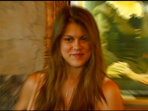 vídeos de stock e filmes b-roll de lindsey shaw at the los angeles opening of 'little women' at pantages theater in hollywood, california on august 2, 2006. - pantages theater