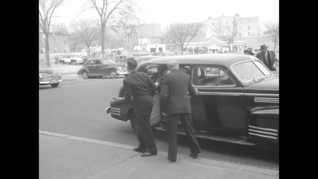 Line of people / USSR Minister of Foreign Affairs Andrey Vyshinsky and Soviet Ambassador Aleksandr Panyushkin arrive and depart they are visiting...