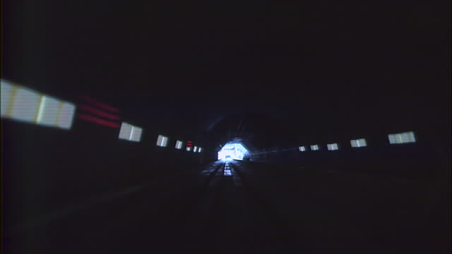 vidéos et rushes de a linear motor car mlx012 runs on the maglev train test line during the experimental stage - préfecture de yamanashi