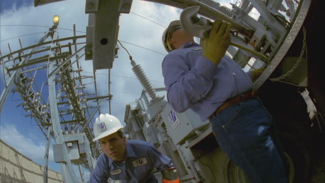 cs slo mo ms la linemen working at substation through / cedar park, texas, usa - cedar park texas stock videos & royalty-free footage