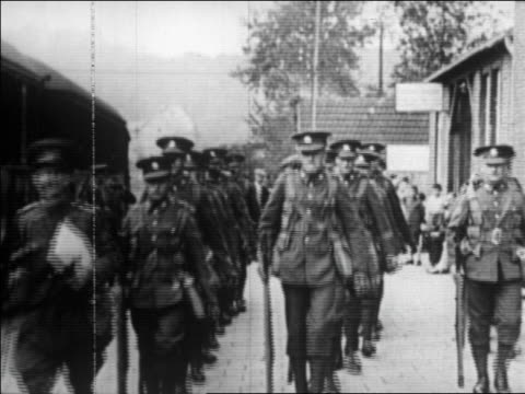 b/w 1929 lines of soldiers marching in formation toward camera / germany / newsreel - 1920 1929 stock-videos und b-roll-filmmaterial