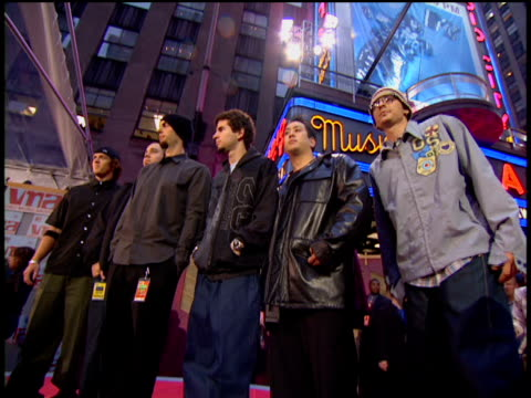 Linkin Park arriving at the red carpet of the 2002 MTV MTV Video Music Awards