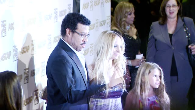 lionel richie and his daughter nicole richie at the ascap's 25th annual pop music awards at the kodak theatre in hollywood california on april 9 2008 - lionel richie stock videos & royalty-free footage