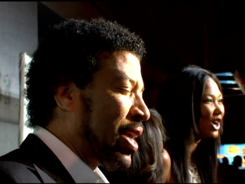 lionel richie and kimora lee simmons at the 2006 cipriani/deutsche bank concert series benefiting amfar at cipriani in new york, new york on april... - ライオネル・リッチー点の映像素材/bロール