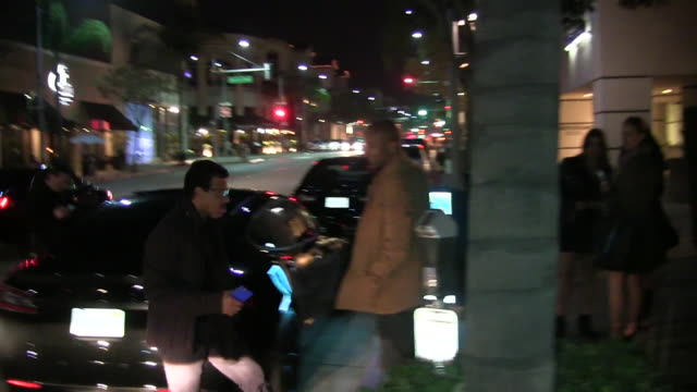 lionel richie arrives at mastro's restaurant in celebrity sighting in los angeles - lionel richie stock videos & royalty-free footage