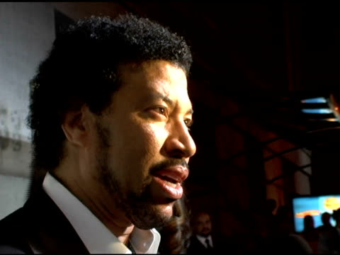 lionel richie at the 2006 cipriani/deutsche bank concert series benefiting amfar at cipriani in new york, new york on april 19, 2006. - ライオネル・リッチー点の映像素材/bロール