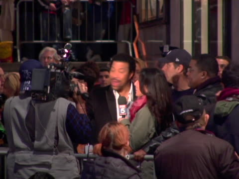 lionel richie at the 74th annual rockefeller center christmas tree lighting ceremony at rockefeller center in new york city, new york. - illuminazione dell'albero di natale del rockefeller center video stock e b–roll