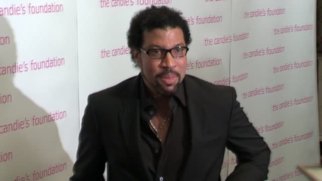 lionel richie at the the candie's foundation presents the third annual event to prevent gala at gotham hall in new york new york on may 9 2006 - lionel richie stock videos & royalty-free footage