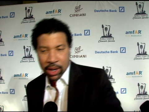 lionel richie on how he feels about the night, on what he will perform, on his feelings towards amfar being part of the event and how important it is... - ライオネル・リッチー点の映像素材/bロール