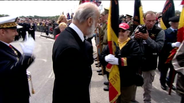 lionel tucker interview sot prince michael of kent meeting veterans wreaths laid at memorial veterans at ceremony harry malpas interview sot veterans... - tucker stock videos & royalty-free footage
